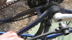 crankbolt wrench use 2