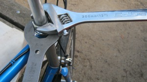 headset wrench shifter use